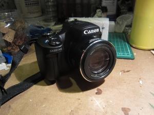 Canon SX-50 HS camera (photo taken with a Canon ELPH-100 HS camera)