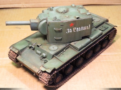 KV-2 partially restored (the tank body and tracks still need attention).