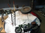 Various bits for the rubbles: a ladder, german jerrycans, pipes and a motorcycle. The motorcycle will need more attention (chipping, washes, pigments for the tires...)