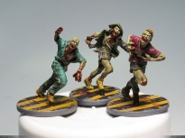 Runners! I painted all runner bases with a yellow stripes pattern: They are super easy to spot during the game!