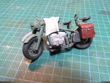 I would like to put this old bike model from Tamiya among the debris... not sure yet...