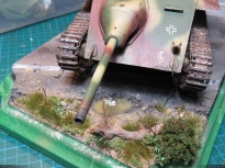 A preview of the diorama with the tank. I still have to work on some details, but overall it is almost done!